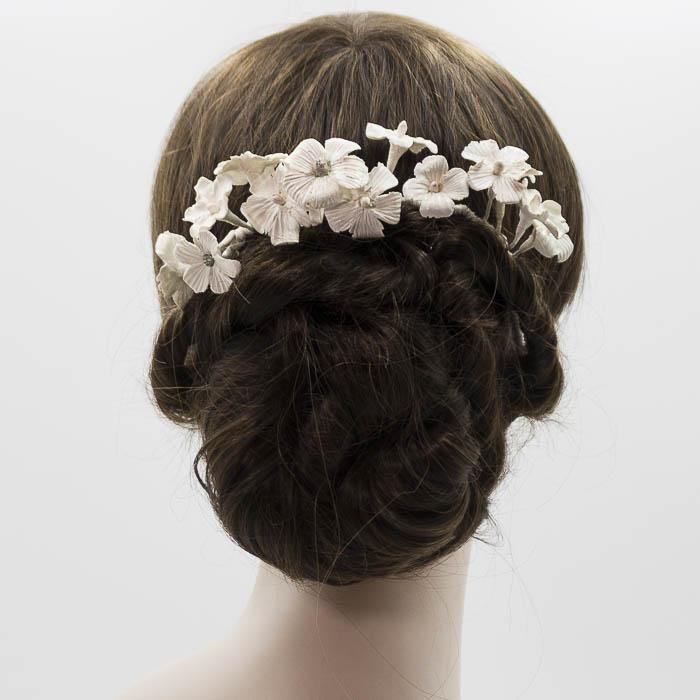Tiara en porcelana blanca novia