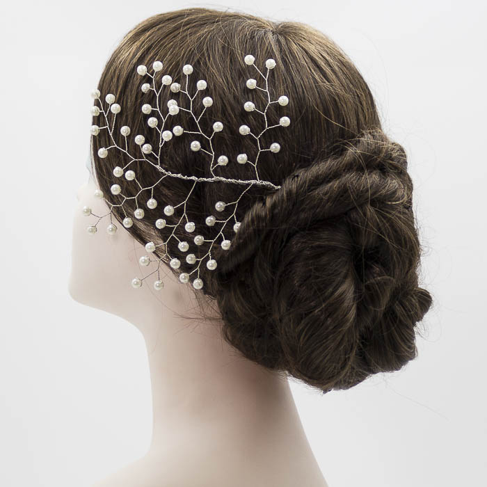 Tocado de perla para novia