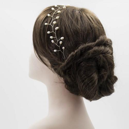 Tiara de perla para novia realizada a mano